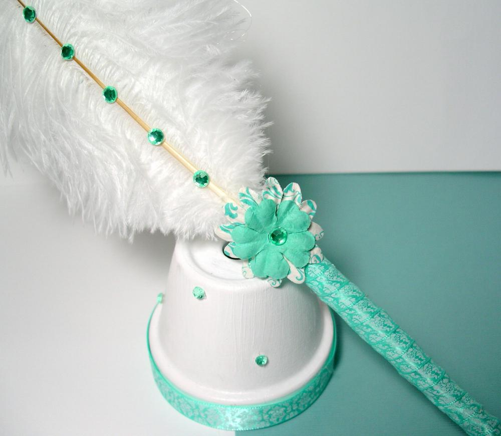 Ostrich Feather Pen & Stand - Aqua Green And White Damask on Luulla
